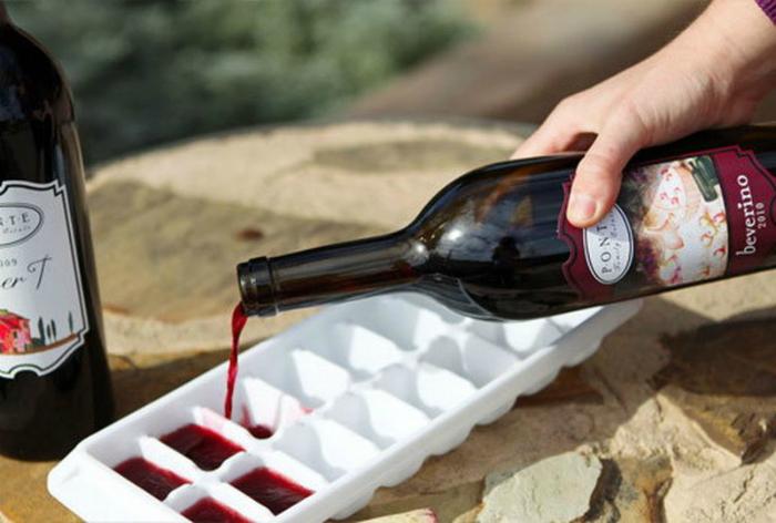 Замороженные кубики вина.