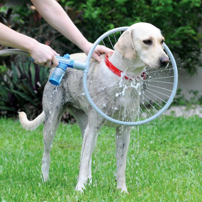Насадка-обруч Woof Washer 360 для удобного мытья собак.