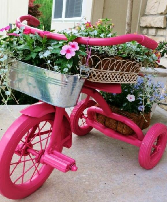 Подставка для цветочных горшков и кашпо.