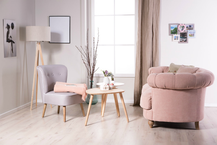 Разномастная мебель.