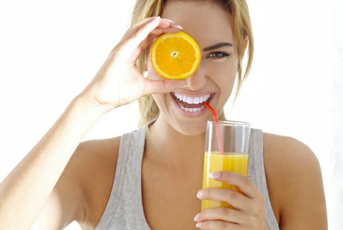 Снять стресс при помощи апельсинов. | Фото: HealthStatus.