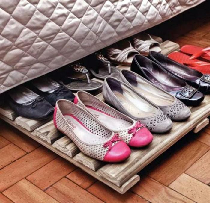 Выдвижная подставка для обуви. | Фото: add.ayokonseling.com.