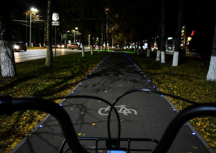 Велосипедная дорожка с подсветкой. | Фото: Catsmob.