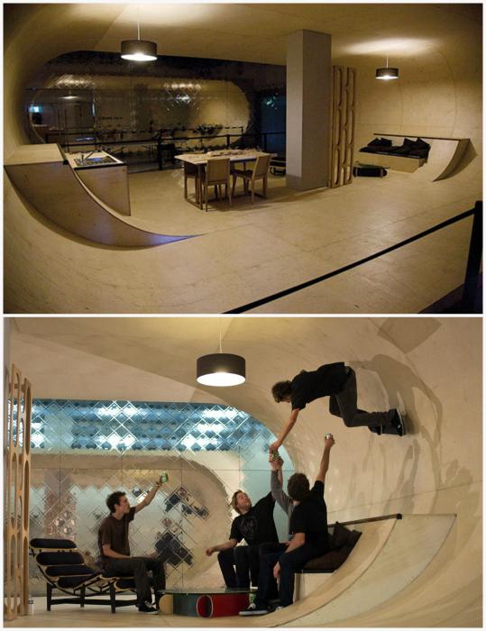 Скейт-парк в подвале жилого дома.