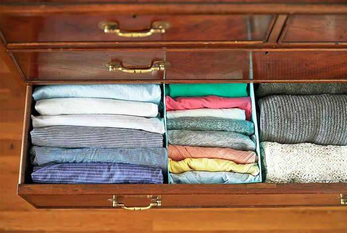 Организация одежды в комоде.