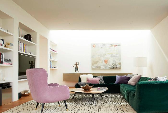Гостиная с потрясающей мебелью.