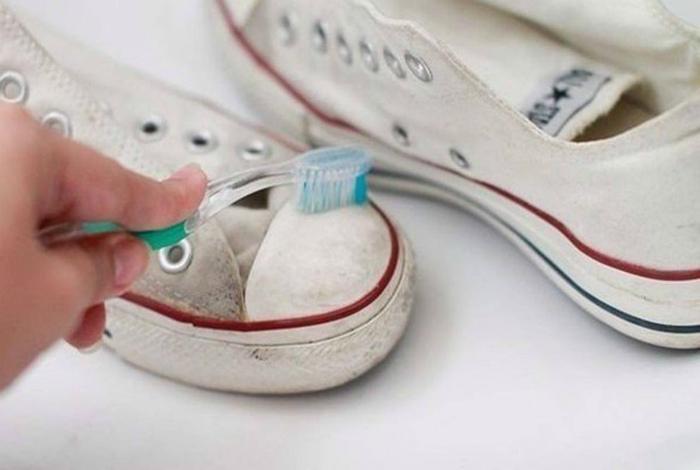 Зубная паста для чистки обуви. | Фото: Quora.
