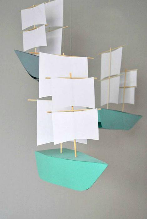 Бумажные кораблики.