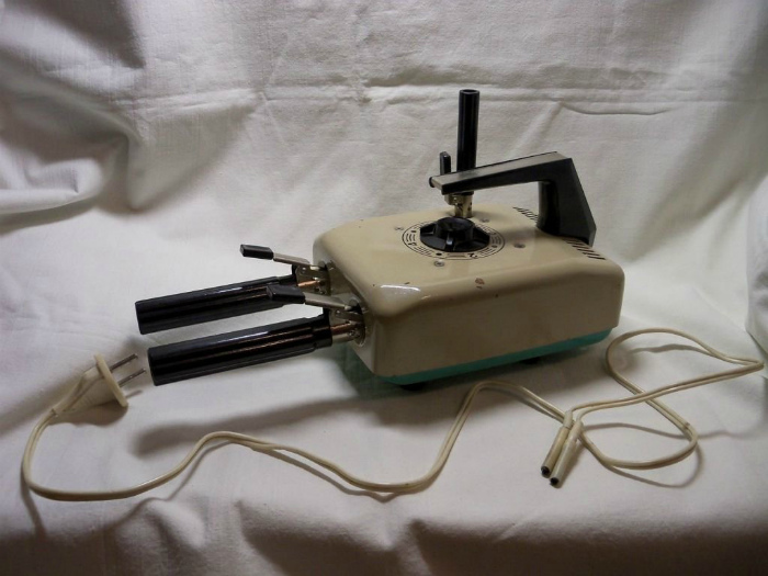 Щипцы для завивки волос. | Фото: Nastroy.net.