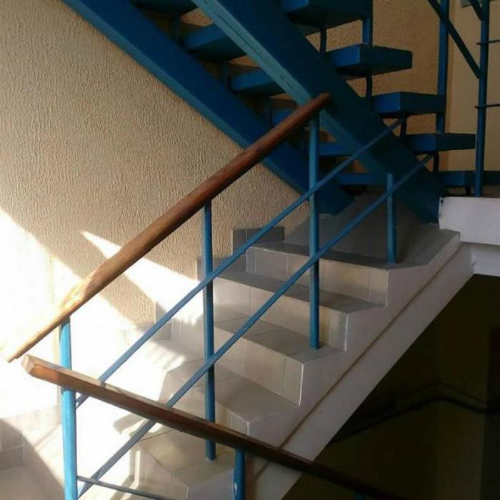 Абсурдная лестница.