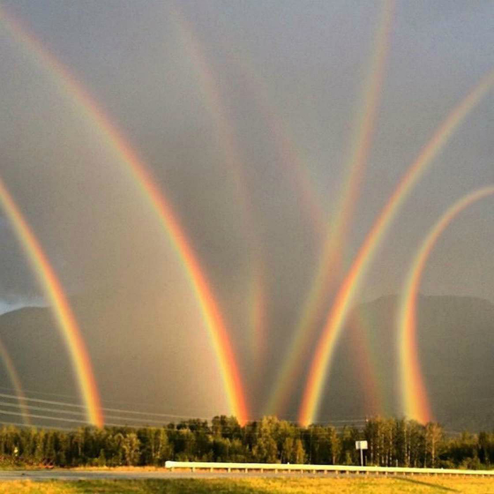 Необычная радуга.
