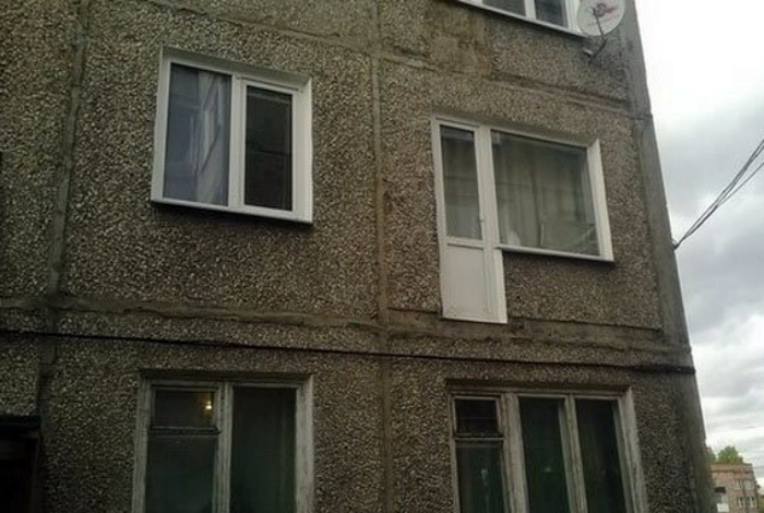 Дверь на балкон.