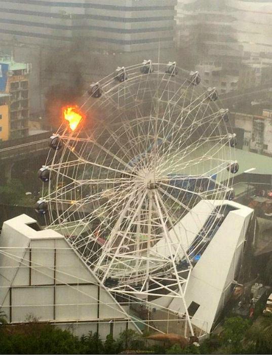 «На этом колесе стало жарко!» | Фото: Виралайф.