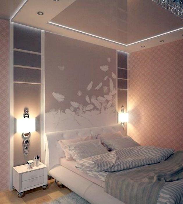 Воздушный интерьер небольшой спальни.