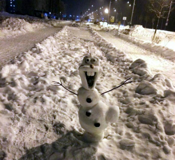 Позитивный снеговик.