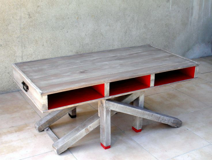 Письменный стол из поддонов.