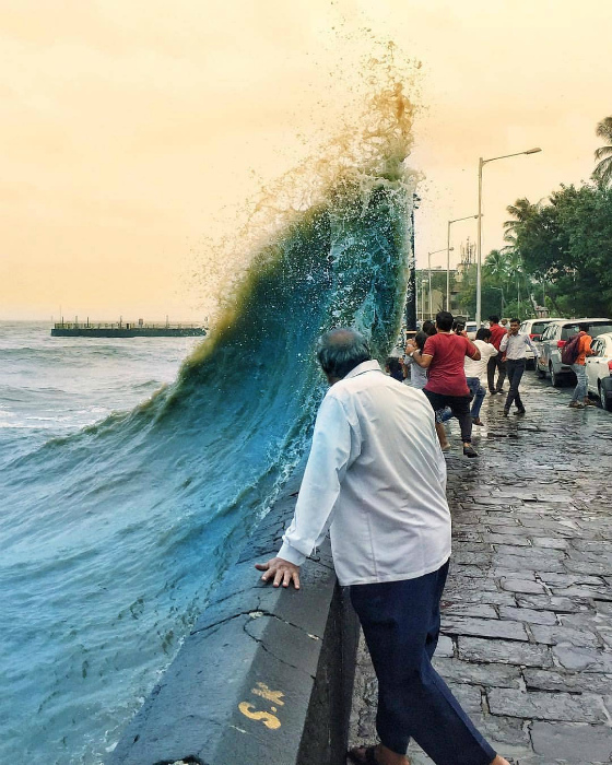 Коварная волна.