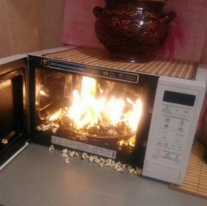 По мнению Novate.ru, попкорн уже готов, даже более чем. | Фото: Лента приколов Коляна.