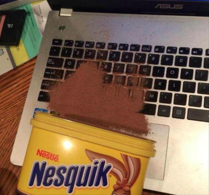 Отлично поработал с ноутбуком! | Фото: Spoki.