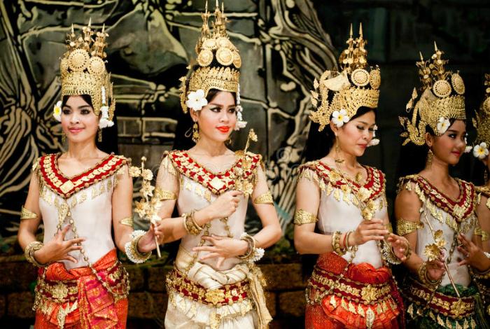 Продажа девственности в Камбодже.
