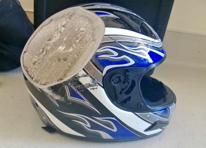 Шлем в разрезе.