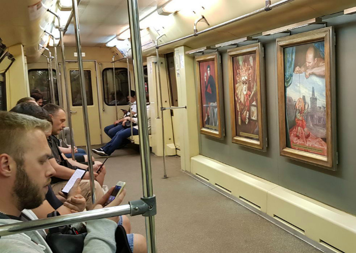 Картинная галерея в вагоне. | Фото: Skoften.net.