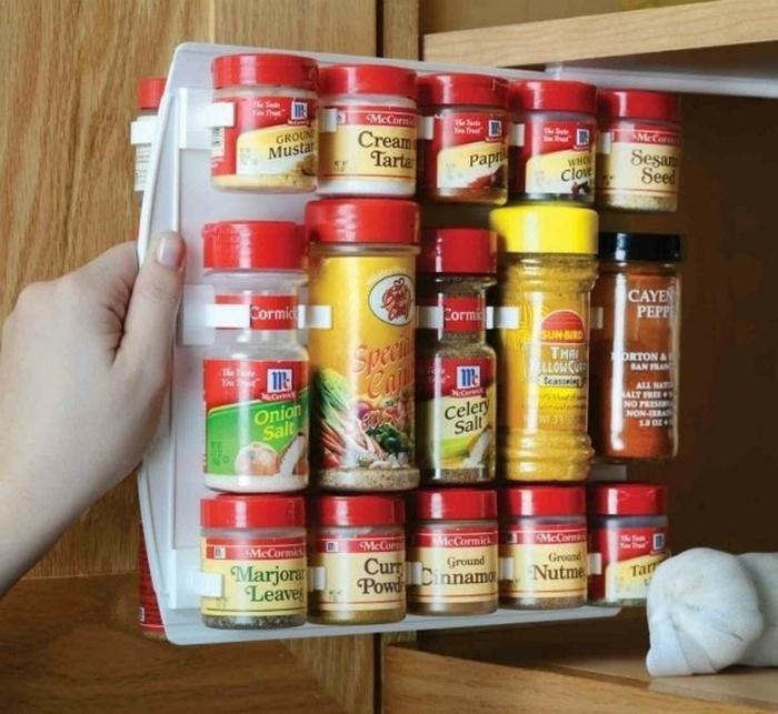 Полка Spice Rack Organizer для банок со специями.