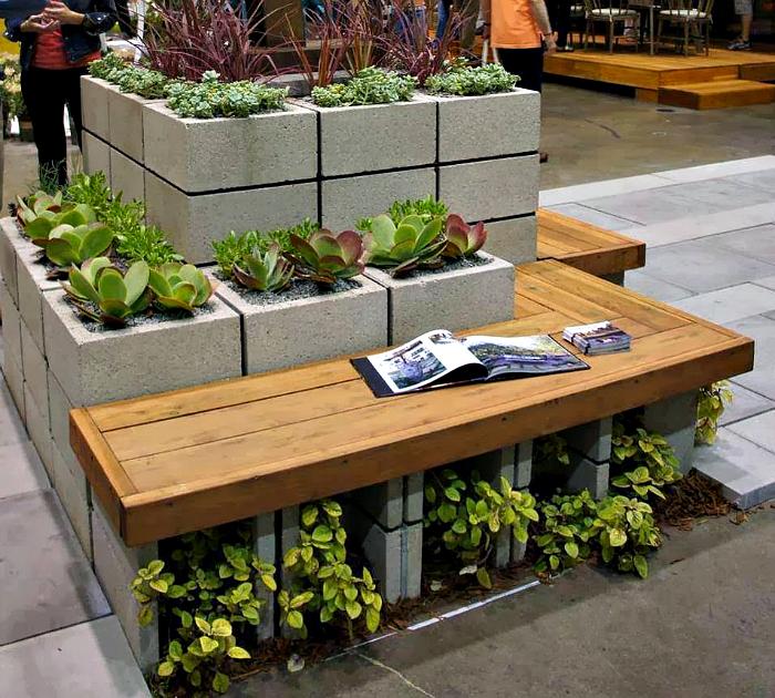 Очаровательная конструкция для сада.