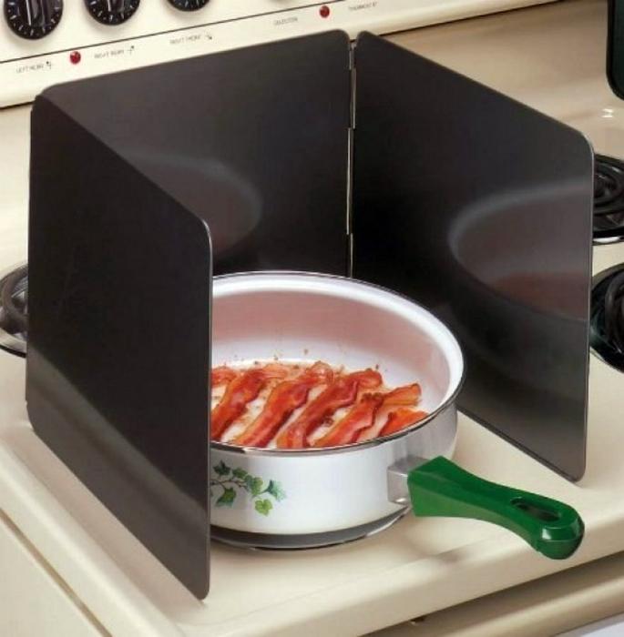 Чтобы плита была всегда чистой.