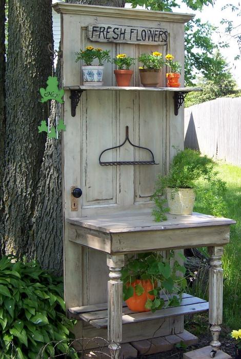 Садовый столик своими руками. | Фото: www.pinterest.com.