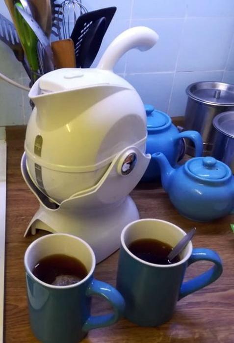 Чайник с подставкой. | Фото: Genial.guru.