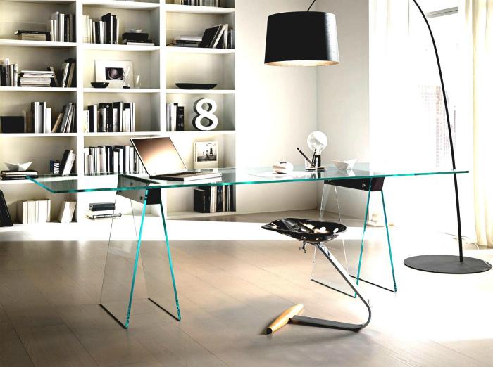 Элегантный интерьер домашнего офиса.