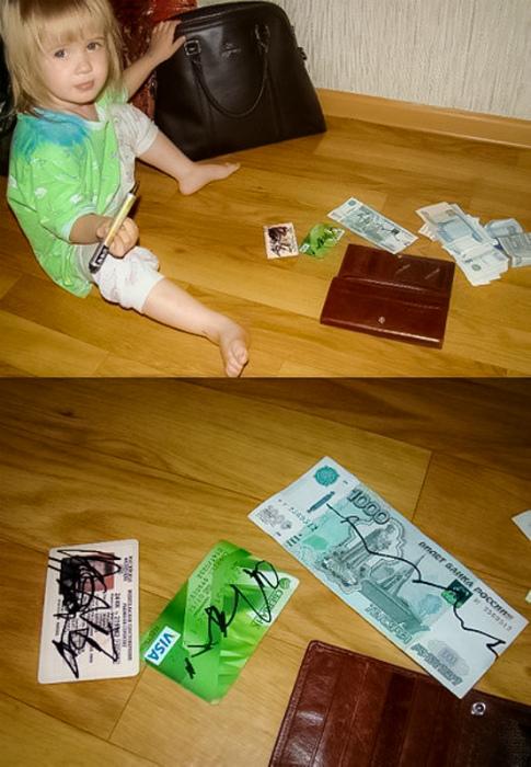 По мнению Novate.ru, малышка просто решила заверить все своими подписями. | Фото: Летидор.