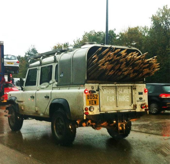 «Псс, парень, большой карандаш нужен?»   Фото: Shareably.