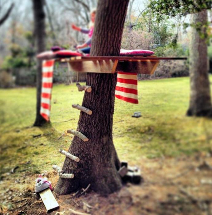 Самый простой домик на дереве.