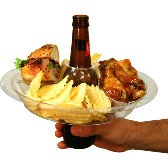Удобная тарелка для закусок.