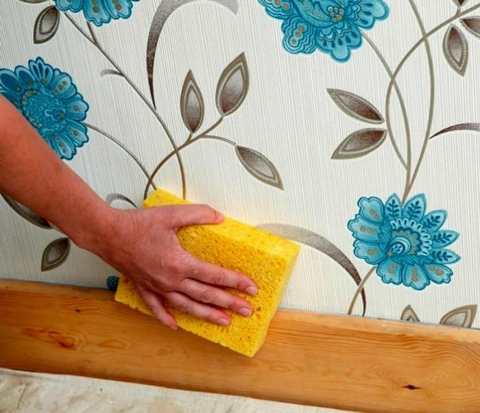 Мыть стены во время уборки. | Фото: DekorMyHome.ru.