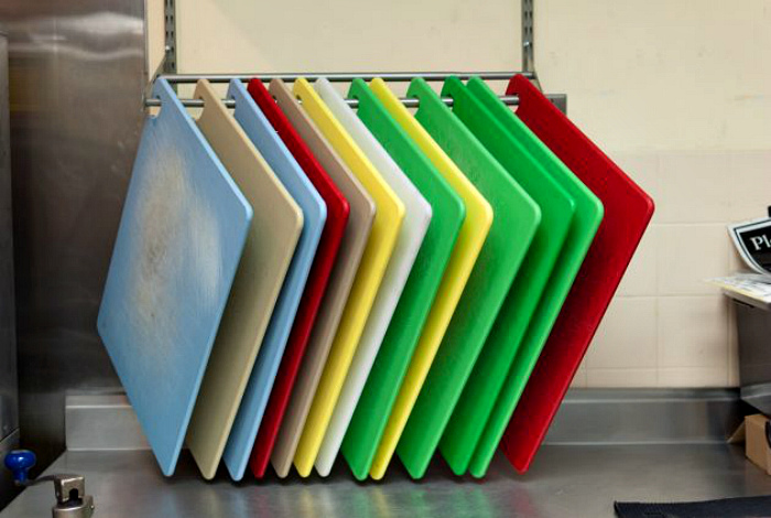 Разделочные дощечки из пластика. | Фото: Народные окна.