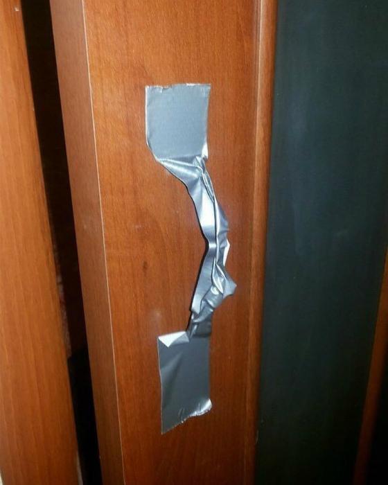Креативная дверная ручка.