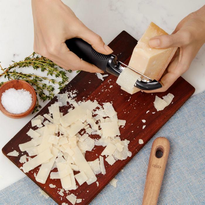 Альтернативный нож для сыра. | Bakeren og Kokken.