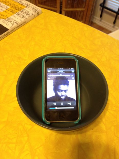 Глубокая тарелка вместо динамика.