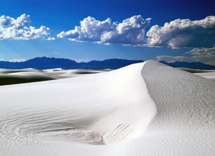 Пустыня Белых Песков или «Фарфоровая» пустыня - одно из прекраснейших природных чудес мира.