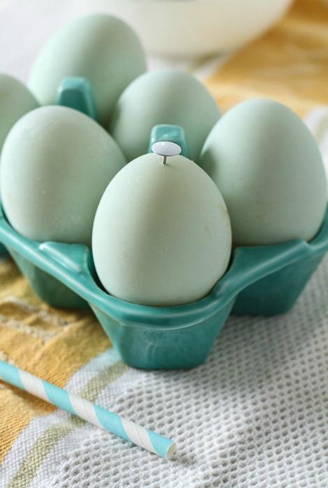 Простая чистка яиц. | Фото: Apartment Therapy.