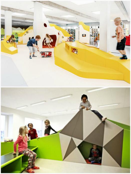 Яркая игровая мебель в интерьере школы.