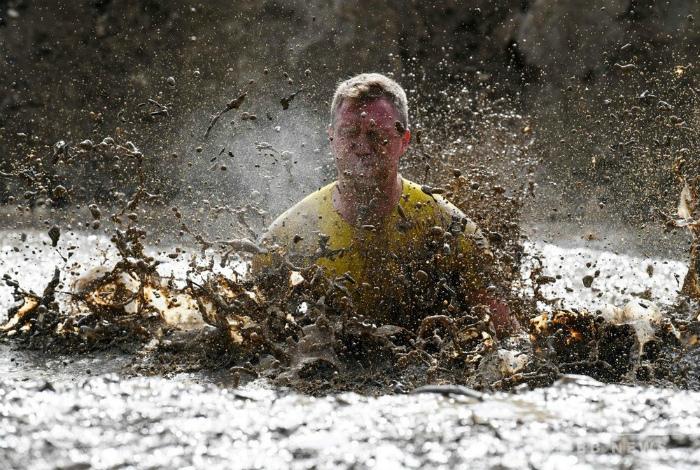 По уши в целебной грязи. | Фото: veetbox.