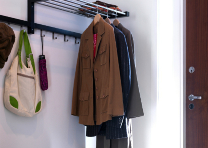 Вешалка для шерстяного пальто.