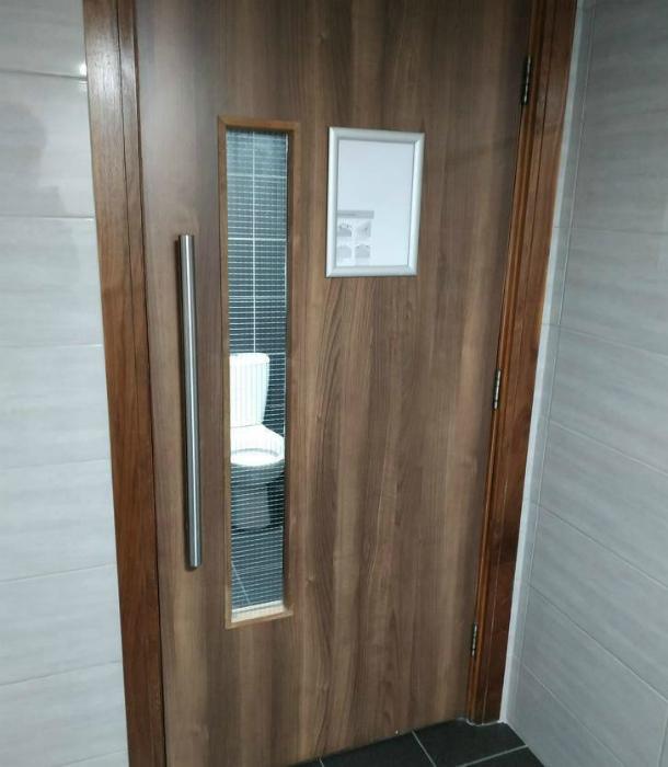 У нас на Novate.ru нет никаких секретов, как и в этом туалете! | Фото: Телеграф.