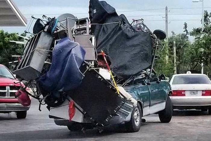 Лучше один раз отвезти все, чем ездить несколько раз! | Фото: Onedio.
