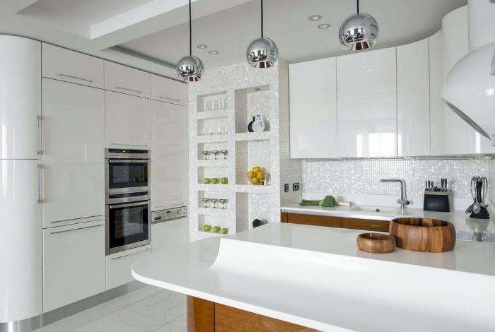 Кухня в белом цвете.