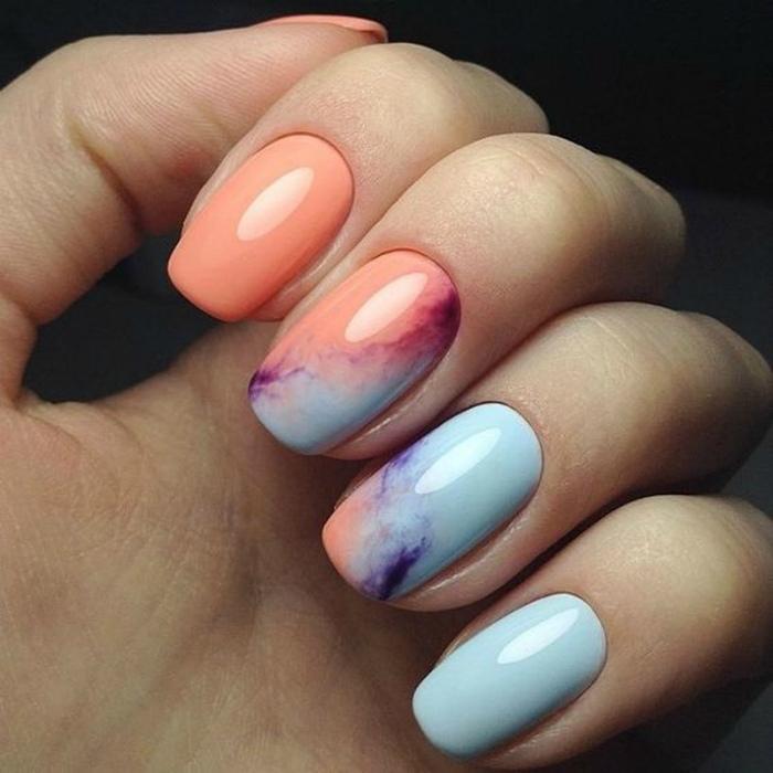 Имитация камня на ногтях.